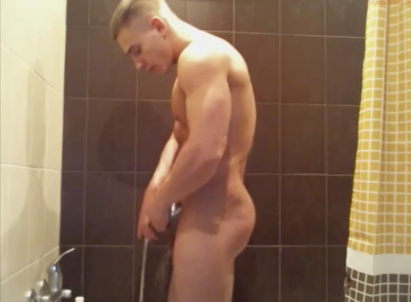 homme gay sous la douche plan cul basse normandie